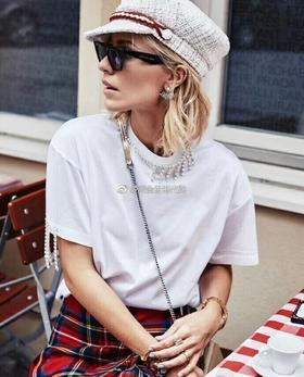 🔥🔥简单百搭款,时尚钻条装饰T恤,黑白两色SM L,小码胸围88肩宽40长64
