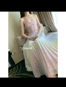 设计师品牌19春夏新款亮片🌈半裙!