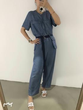 19早春新款牛仔连衣裤‼️双口袋拉链设计,收腰的版型,进口天丝面料,上身舒适透气