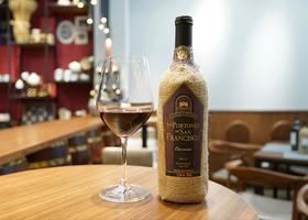 【个性产品】波勒多卡曼尼干红葡萄酒
