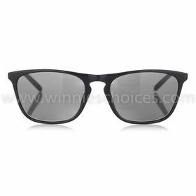 W01成人码黑色镜架配灰色镜片太阳眼镜男女通用