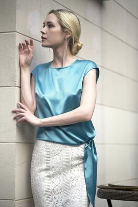 Celeste Shirt 亚麻缎系带上衣