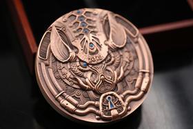 首枚.奇幻生肖守护系列之猪年双金属大铜章