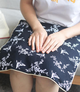 蓝印艾绒坐垫 | 活性印染棉布。南阳艾叶艾绒。大尺寸39cm*39cm。