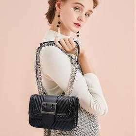 麦包包-戈尔本 2019新款时尚编织针扣女士单肩斜挎包