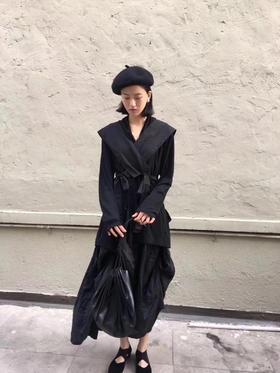 新晋设计师品牌 19fw 独家代购版 暗黑衬衫/半裙 一套搭配简直完美 爆炸🔥