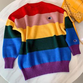 想把彩虹穿上身吗?蕞新冠军新款毛衣,当下蕞火的彩虹拼色,七色汇聚不一样的风格,保暖又舒适,内穿外搭都是敲完美的,而且很提肤色,穿出街保证回头率巨高,百搭时髦单品墙裂推荐给你们!