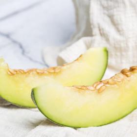 上新 | 静冈网纹瓜  果肉翠绿 奶香味浓 软绵香甜 2枚装 4.5-5斤