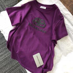Balenciag*19ss秋季限量tee 只有欧洲能买到 香港都没有的~绝美的紫罗兰色 订染无色差!照片远拍不出实物的美 超级显肤白 单穿或内搭都巨时髦的单品