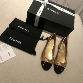 【预售排单 10天左右 不接急单】 CHA**L 正品级芭蕾舞鞋 每个女孩都该备有一双的芭蕾舞鞋、专柜最新色 意大利原厂小羊皮定制 它不是一款横空出世的时髦鞋,可以穿一辈子的鞋履 码数35-40