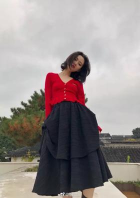 甜美少女暗黑风褶皱立体剪裁长裙