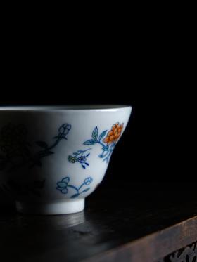 怀景堂 斗彩茶杯花卉折腰纯手工单杯