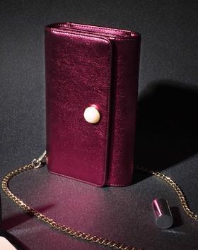 麦包包新款珍珠饰亮面手拿单肩斜挎包