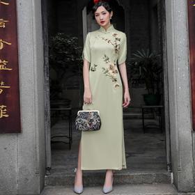 DLQ1857A新款高贵优雅改良旗袍TZF