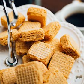 低卡高纤,甜而不腻!coco豆乳夹心威化饼干,  5层浓香,网红健康小零食,大桶分享装!