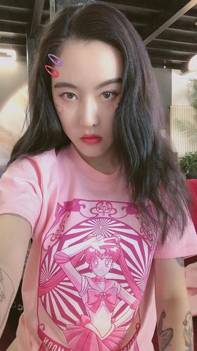 鲜嫩粉红美少女塔罗牌T恤