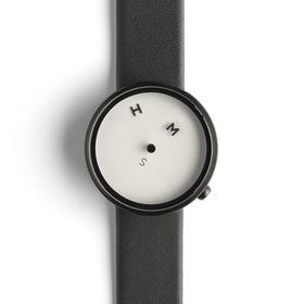 NAVA 跳跃的字母个性设计腕表(意大利)