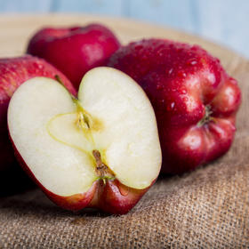 甘肃花牛蛇果红苹果 清甜可口 健康美味 富含人体所需微量元素 约10斤装