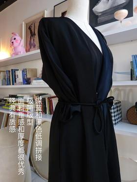 黑蓝经典复古女郎风衣