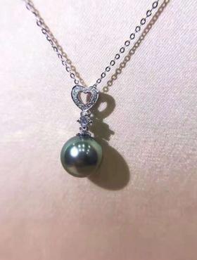 【K金项链】简洁优雅18K大溪地黑珍珠钻石项链