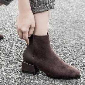 切尔西女短靴   腿粗、腿短都能救!复古的质感帅气又吸眼,经典大气简约两色可选