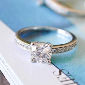 薇芙洛丝4爪单排经典款莫桑戒指