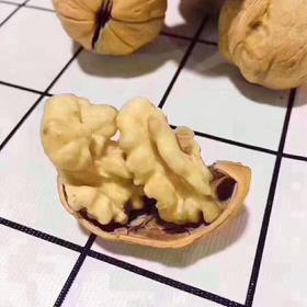 [云语生鲜水果]奶油纸皮核桃中午到货[愉快]最好的纸皮核桃,皮薄如纸,颗颗易碎,没有坏果,营养价值超高