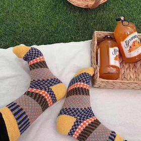 【限时特惠 】日本复古tutu羊毛袜男女通用保暖加厚图腾花纹中筒袜