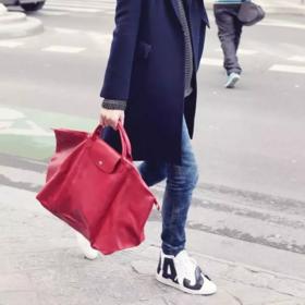 法国 LONGCHAMP 珑骧尼龙饺子包!Le Pliage 系列尼龙折叠双肩包、长柄手提包!通勤、逛街、旅游、健身,一包多用!