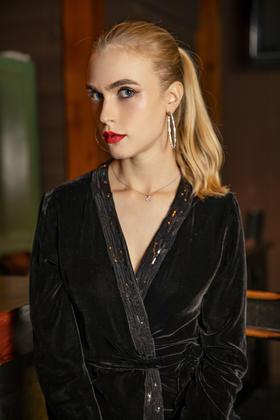 Karla Top 上衣