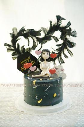 翻糖定制  女孩+黑色羽毛 红丝绒蛋糕