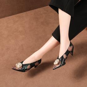 OLD-D58-7新款V口粗跟复古绣高跟旗袍鞋TZF