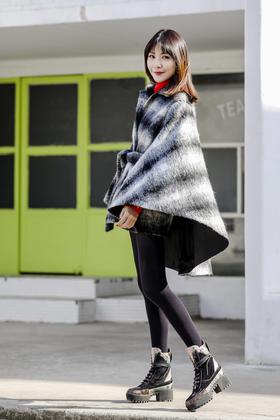 Maison Covet 自有品牌 羊驼毛斗篷大衣