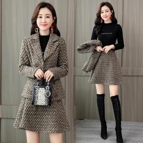 【寒冰紫雨】 冬季新款气质2件套装   中短款毛呢外套尚百搭半身裙子两件套装女    AAA7852