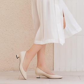 Wayne Flex复古猫跟鞋 | 女神赫本靠它穿出优雅气质,比平底鞋还舒适