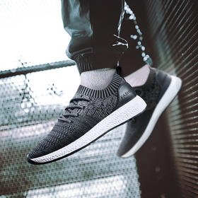 【不到百元的爆款】爱轻盈 体验无拘束的行走 飞织网面透气运动鞋 跑步鞋 男款