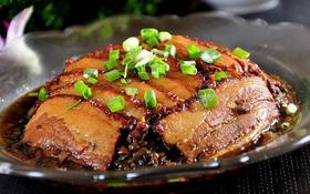 大碗厨扣肉套餐:白灼时蔬+开胃碟+米饭/份