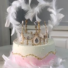蕾丝皇冠女王