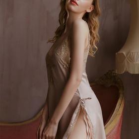 【现货!行走的浪漫 法式小镇风情】WITH SECRET 春夏款性感冰丝吊带法式风情蕾丝睡衣
