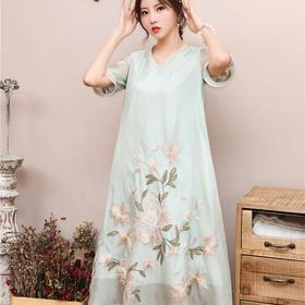 FNZD99385新款中国风刺绣V领短袖连衣裙TZF