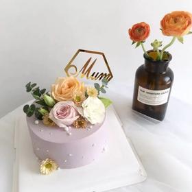 紫色调鲜花蛋糕