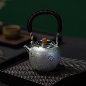 樱花提梁银壶