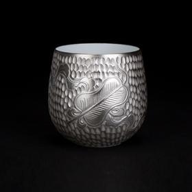 锤纹银釉八宝蕉叶纹