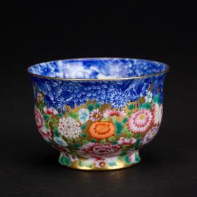 雅市·青花团蝶描金粉彩品茗杯