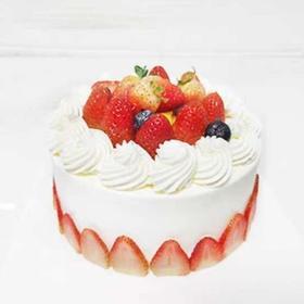 草莓围边🍓蛋糕