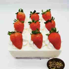 方形草莓慕斯
