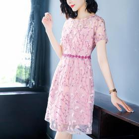 AHM-hxyr5990新款时尚圆领气质粉色刺绣连衣裙TZF