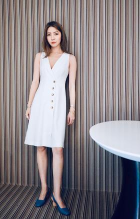 Maison Covet 自有品牌 白色通勤V领连衣裙