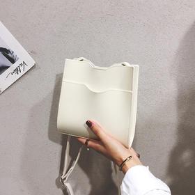 【ins包法国小众包包女】2020新款百搭斜挎包时尚水桶包箱包