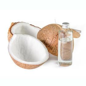 分馏椰子油 冬天不凝固 轻薄亲肤吸收快 无色无味 调香不影响香气
